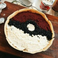 Main Pokemon Go? Cicip Juga Martabak Pokeball!