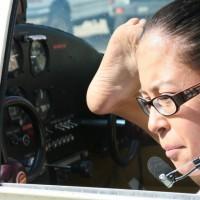 Satu-Satunya Pilot Wanita Tanpa Tangan
