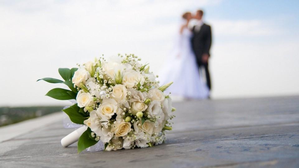 Lihat Jarak Usia Sebelum Kamu Menikah!